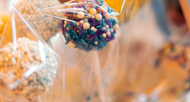 Come abbellire un tavolo da buffet per una festa di compleanno per bambini