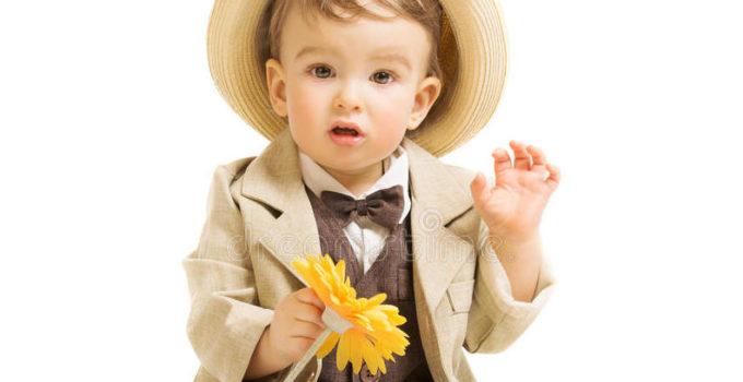 Come vestire un bambino per un compleanno