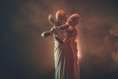 due romani giocano in gesta a tema antichi romani