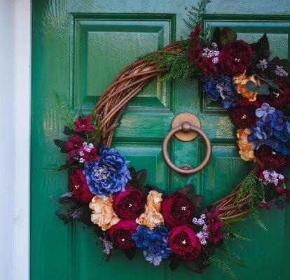 Ghirlanda di Carnevale: gli addobbi per la porta