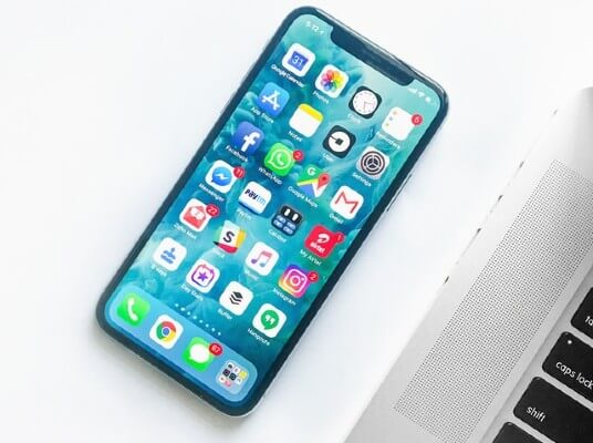 Smartphone per inviti digitali principesse