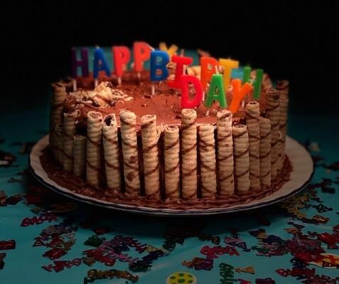 Torta di compleanno per festa a tema pic-nic