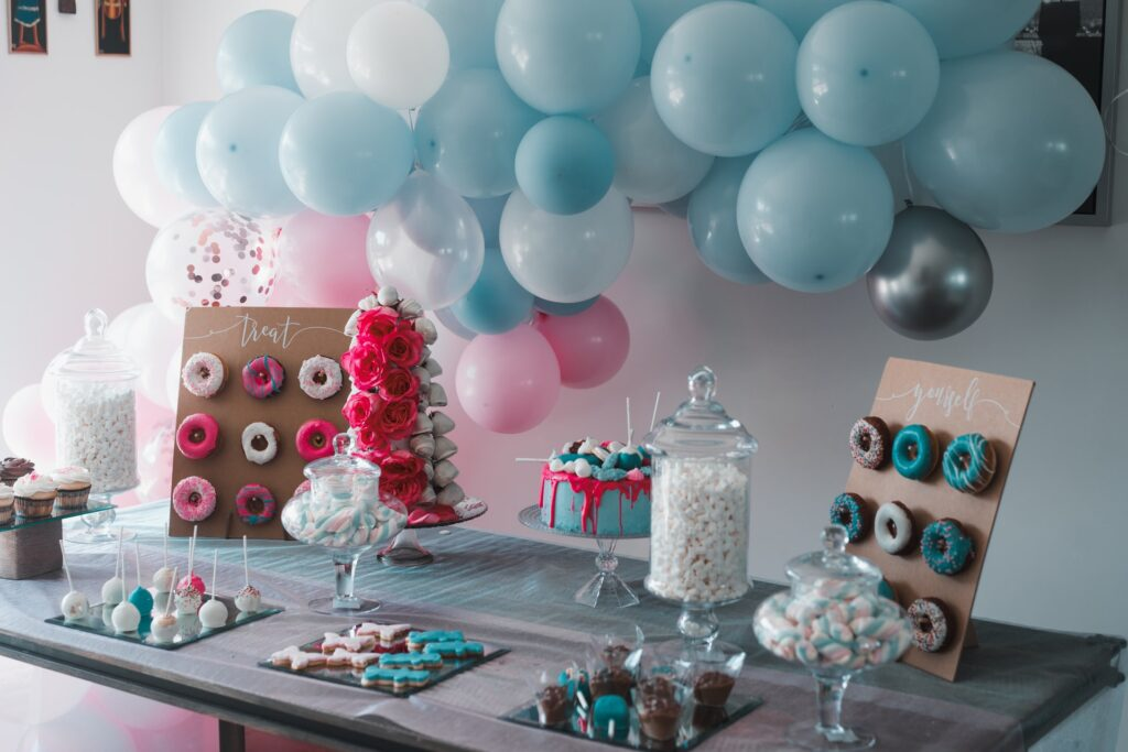 Location per feste di bambini: tavolo decorato per feste